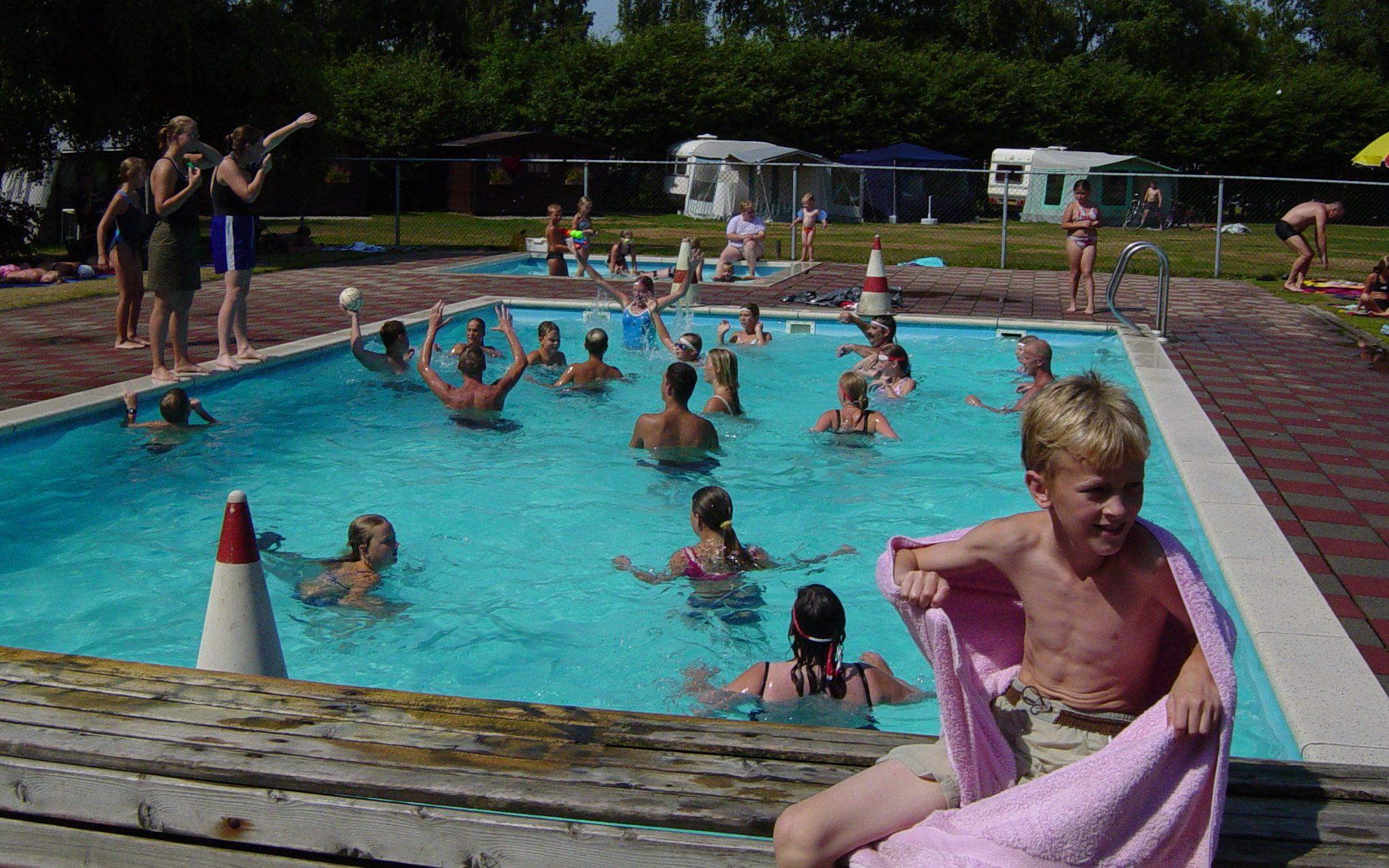 Zwembadspelletjes